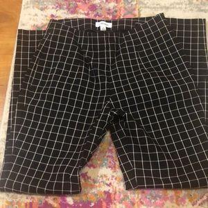Calvin Klein Size 8 black and white checked pants